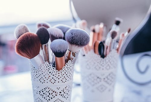 beauty maintenance for a woman