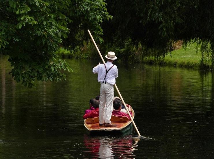 picnic in boat